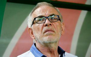 «Гаджиев – один из самых слабеньких тренеров». Экс-игрок «Амкара» зажигает в фейсбуке