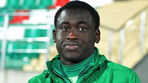 Форвард «Ахмата» Мбенг уехал в Африку и полгода не выходит на связь. 5 лет назад он забил «Спартаку» шикарный гол