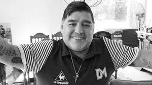 В смерти Марадоны может быть виноват его врач. Следователи проводят обыски