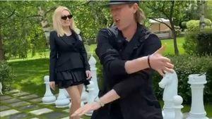 «Как этому парню можно отказать?» Рудковская станцевала сПлющенко под переделанный хит Freestyler отBomfunk MC's