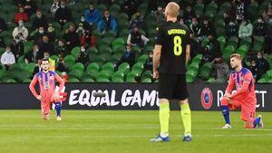 Смертин высказался об отказе игроков «Краснодара» вставать на колено перед матчем Лиги чемпионов с «Челси»