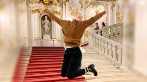 Шарапова впервые прилетела в Петербург. Выполнив программу туриста, она обыграла русскую австралийку