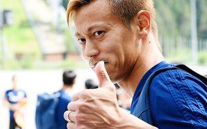 Кейсуке Хонда будет управлять сборной Камбоджи. Нет, это нешутка