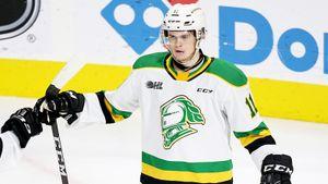 Пока Овечкин творит историю НХЛ, его преемник рвет юниорскую лигу. У Макмайкла — уже 5 хет-триков!