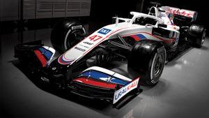 «Уралкалий» стал спонсором американской команды Формулы-1. Новый болид «Хааса» окрашен в цвета российского флага
