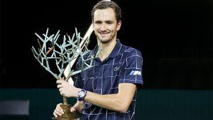 Медведев выиграл Мастерс в Париже, победив в финале русского немца Зверева. Первый титул Даниила в сезоне