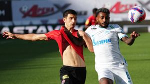 Сутормин с Ерохиным вышли на замену и сделали результат. «Зенит» обыграл «Химки», как это было
