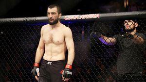Макгрегор поиздевался над поражением брата Хабиба в дебютном бою в UFC