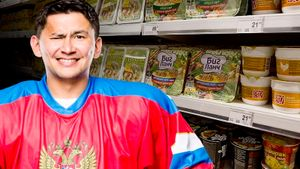 «Нас кормили на 74 рубля, родители привозили дошираки». Хоккей в 2000-х, дружба с Бобровским — интервью Тугаринова