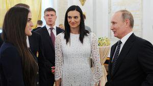 «Хорошо, что Путин ставит такую сложную задачу». Исинбаева рассказала о встрече с президентом России