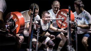 Сильнейший пауэрлифтер России весит меньше 60 кг. Сергей Федосиенко не проиграл ни одного старта за карьеру