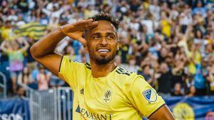 Немецкий футболист забил 3 гола к 16-й минуте матча, установив новый рекорд MLS: видео