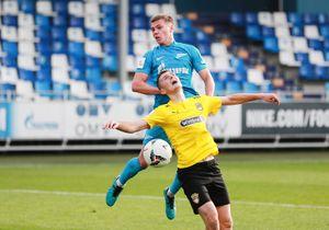 «Зенит-2» обыграл «Красаву». Команда Евгения Савина играла в меньшинстве с 64-й минуты