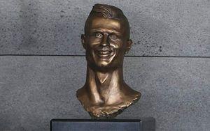 Уродливую статую Роналду оживили с помощью нейросети: видео