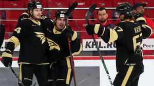 «Авангард» напомнил всем, кто главный в КХЛ. Снова вынес ЦСКА и забрал Кубок Открытия