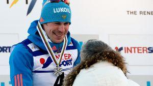 Как русский лыжник Устюгов стал чемпионом мира. Его соперник Сундбю хотел убежать, но сломал палку и упал: видео