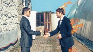 Кержаков воссоздает обложки легендарных альбомов: начал сThe Beatles иQueen, последний хит— Pink Floyd