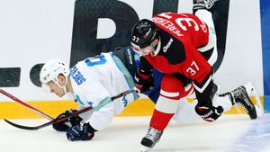«Авангард» еле унес ноги откоманды своего бывшего тренера. Безумный хоккей вБалашихе