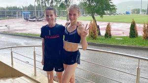 Трусова пробежала кросс под дождем на сборе в Кисловодске