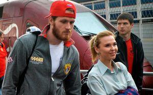 Хоккеист Телегин присвоил деньги при разделе имущества с Пелагеей