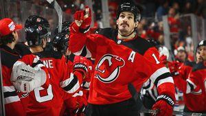 Победивший рак хоккеист оформил первый хет-трик в НХЛ. В 33 года жизнь и карьера только начинаются