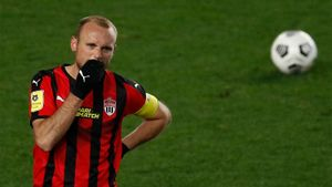 Глушаков говорил, что больше никогда не будет бить пенальти. В Кубке России пришлось нарушить обещание