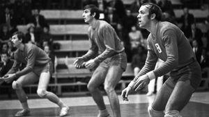 Владимир Кондра начинал с настольного тенниса, а стал звездой волейбола. Хотя его рост был всего 185 см