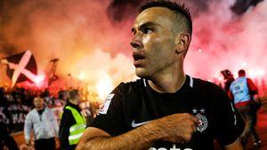 Футбол с болельщиками все еще существует! Дерби «Партизана» и «Црвены Звезды» — лучшая картинка последних месяцев