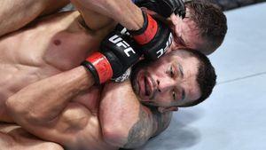 Бывшего узбекского гастарбайтера задушили в UFC. Мейвезер называл Мурадова лучшим в мире