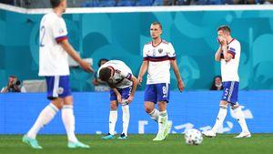 Сборная России провалила старт Евро. Привезли себе два гола и были разгромлены Бельгией