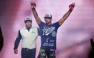 Корешков победил Нжокуани на турнире Bellator 182