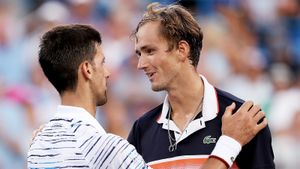 Медведев во второй раз подряд обыграл лучшего теннисиста мира Джоковича. Даниил в шаге от топ-5