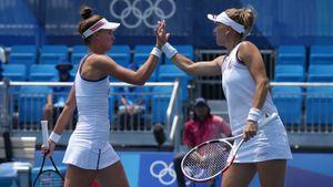 Веснина и Кудерметова уверенно вышли в полуфинал ОИ-2020 в парном разряде
