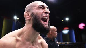 «Испугался: думал — рак». Кашель с кровью, уход из боев и звонок Кадырова — как Чимаев вернулся в UFC после ковида