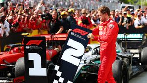 ВФормуле-1 большой скандал: уФеттеля отобрали победу после финиша. Немца поддержал Квят