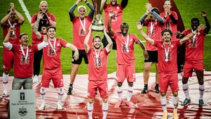 «Зальцбург» празднует победу вКубке, соблюдая социальную дистанцию. Главные карантинные новости футбола