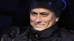 «Реал» ведет переговоры с Моуринью, Абель Эрнандес остается в ЦСКА. Трансферы и слухи дня