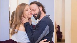 Жена Авербуха актриса Арзамасова повторила свой танец из «Папиных дочек»: видео
