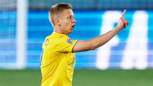 Зинченко пожаловался на украинских болельщиков: «Желают тебе и твоей семье смерти за потерю на чужой половине»