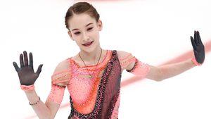 Юная звезда Тутберидзе победила с рекордом, но все равно ставит себе тройку. Самокритичное интервью Акатьевой