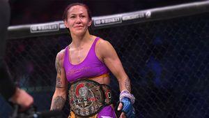 Сайборг считали самой опасной женщиной планеты, но выгнали из UFC. Она забила чемпионку Bellator