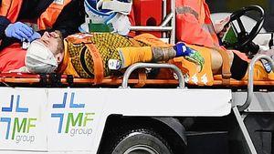 «Я в порядке». Вратарь «Наполи», который упал в обморок во время матча, выписан из больницы