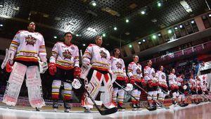 Бардак в китайском клубе КХЛ: игроки не могут приехать на сборы, бюджет урезали. Почему «Куньлунь» остался в лиге?