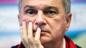 Тренера Черногории уволили за отказ руководить командой в матче с Косово. Тумбаковичу угрожали сербы