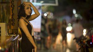 «Прилетела проститутка изИталии— заразила 500 человек». Чему учит пандемия вИспании: объясняет Дмитрий Селюк