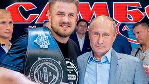 «Я русский, но не россиянин». Александр Романов — новый тяж в UFC
