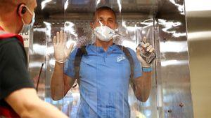 Дзюба в кабине дезинфекции, лопнувший мяч и объятия «Зенита». Разгром ЦСКА — в кадрах Sport24