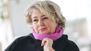 «Давайте вместе немножко пострадаем». Тарасова призвала россиян соблюдать карантин вовремя коронавируса: видео
