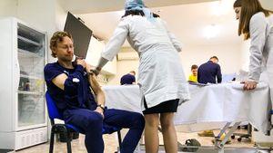 Валерий Карпин и ряд футболистов «Ростова» вакцинировались от COVID-19