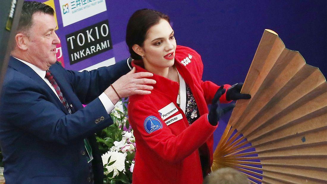 «Хорошо, когда все хорошо». Медведева поблагодарила канадских тренеров и опубликовала фото с командой Тутберидзе